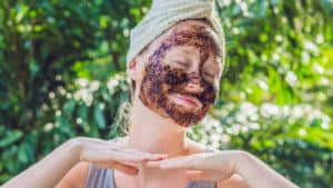 coffee-grounds-facial